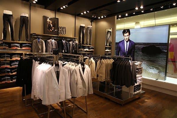 Ruifuxiang's Customized Clothing Very Popular