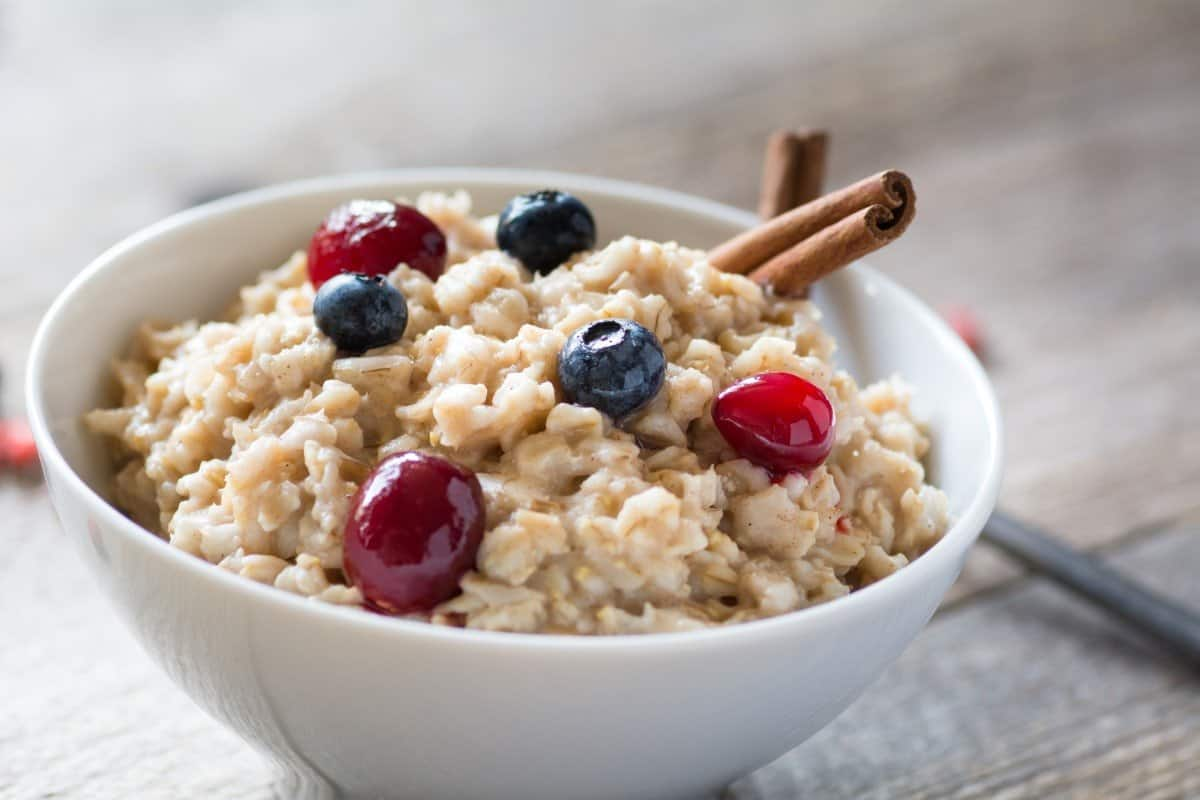 whole grain oatmeal is healthy