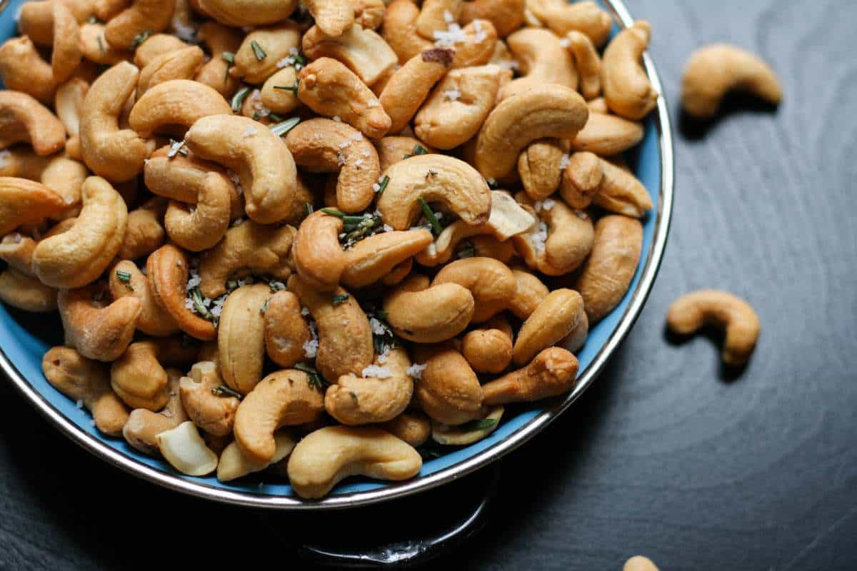 monounsaturated fat in cashew nuts