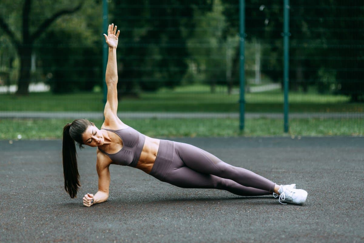 20 minute bodyweight circuit training workout